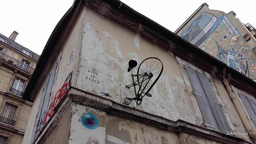 Julie - Vol de bicyclette